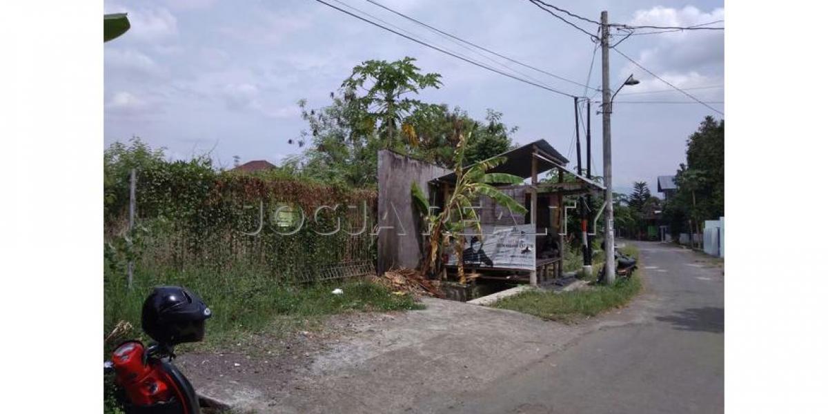 Dijual Tanah Pekarangan lokasi strategis di belakang RS Hermina dan Lottemart Maguwo, Sleman