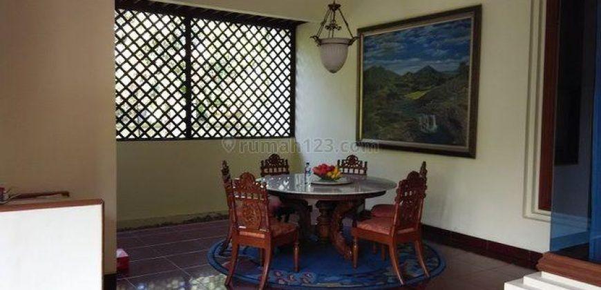 Rumah Etnik Berarsitektur Jawa Modern Halaman Luas Ada Kolam Renang Di Gedongkuning Yogyakarta   RUMAH DIJUAL DI JOGJA
