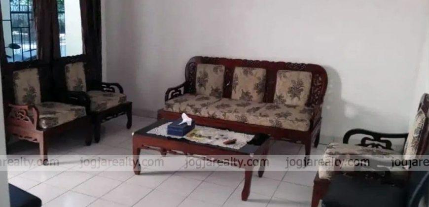 Rumah Dijual Sekitar Jalan Kabupaten Sleman Siap Huni Minimalis 2 Lantai