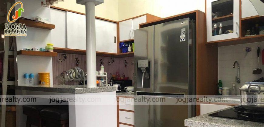 Rumah fully furnished dijual di Purwomartani Sleman DIY