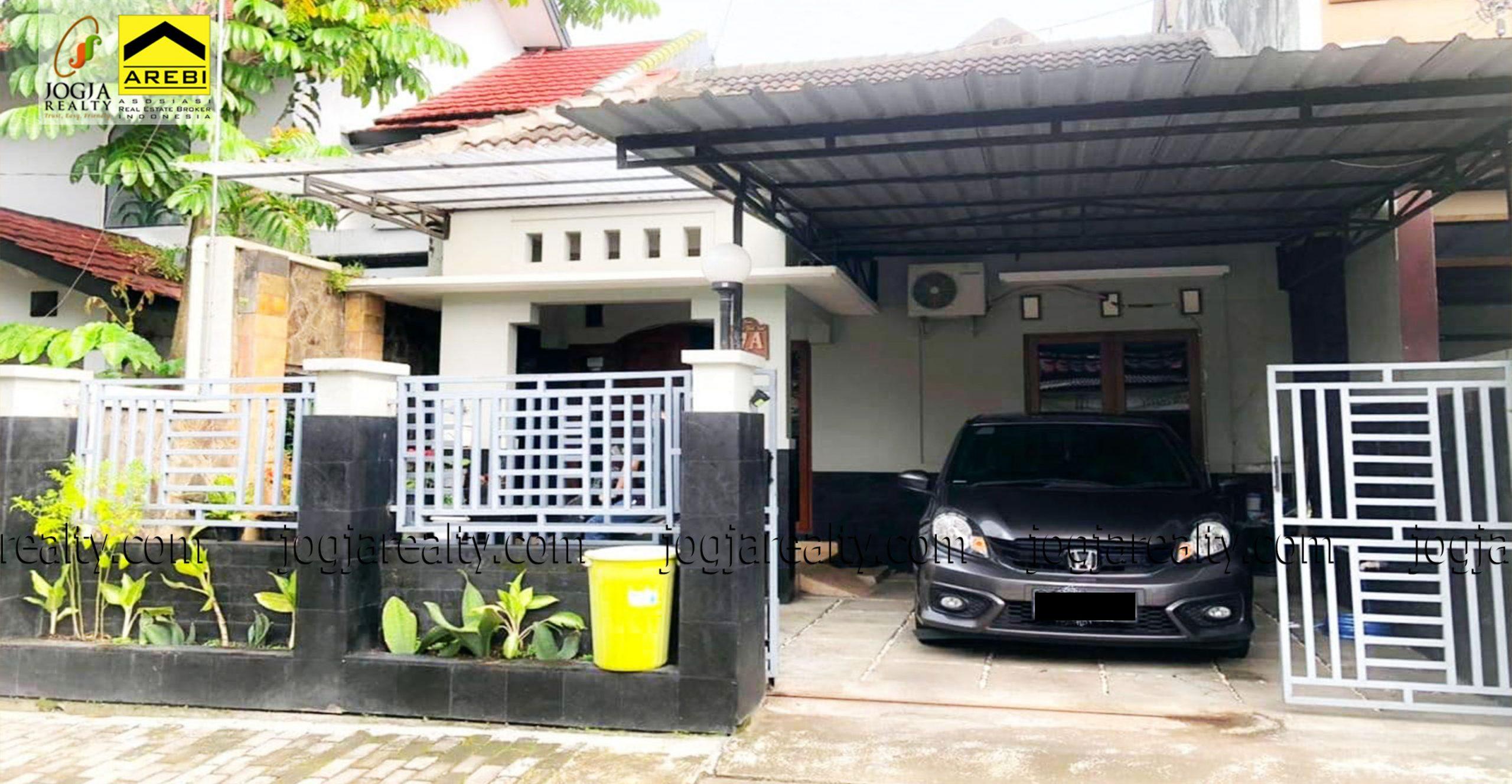 Rumah siap huni dalam perumahan Wirosaban